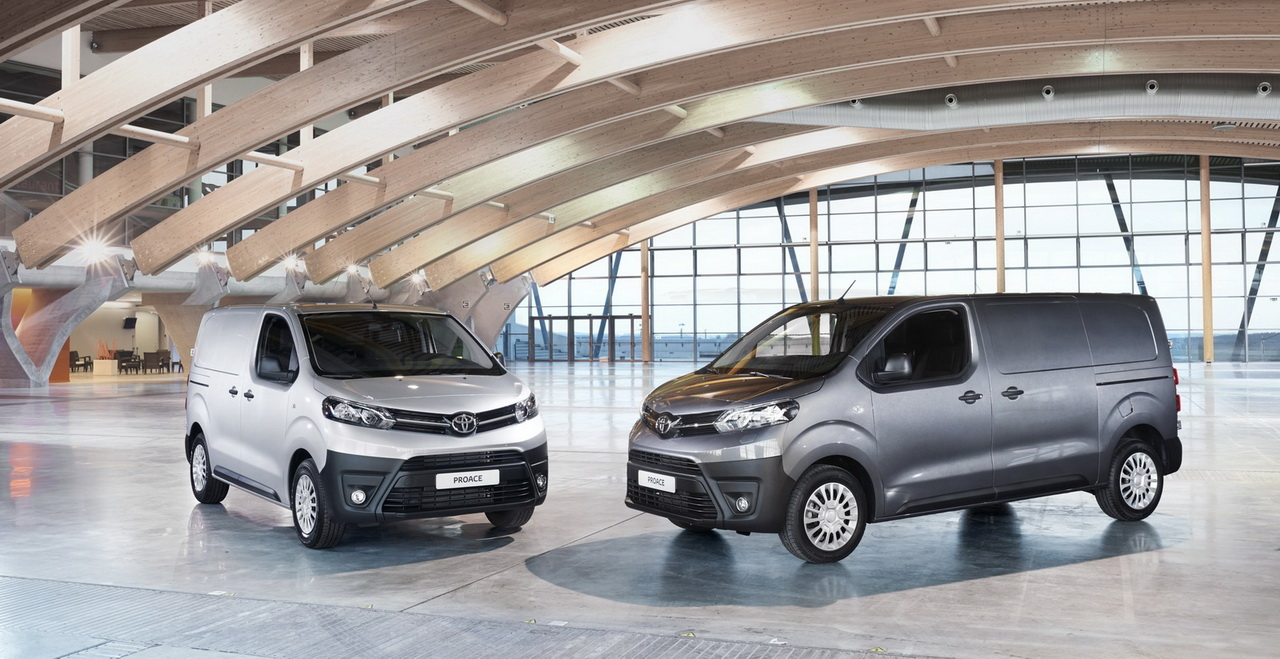 2016 ToyotaProace 01