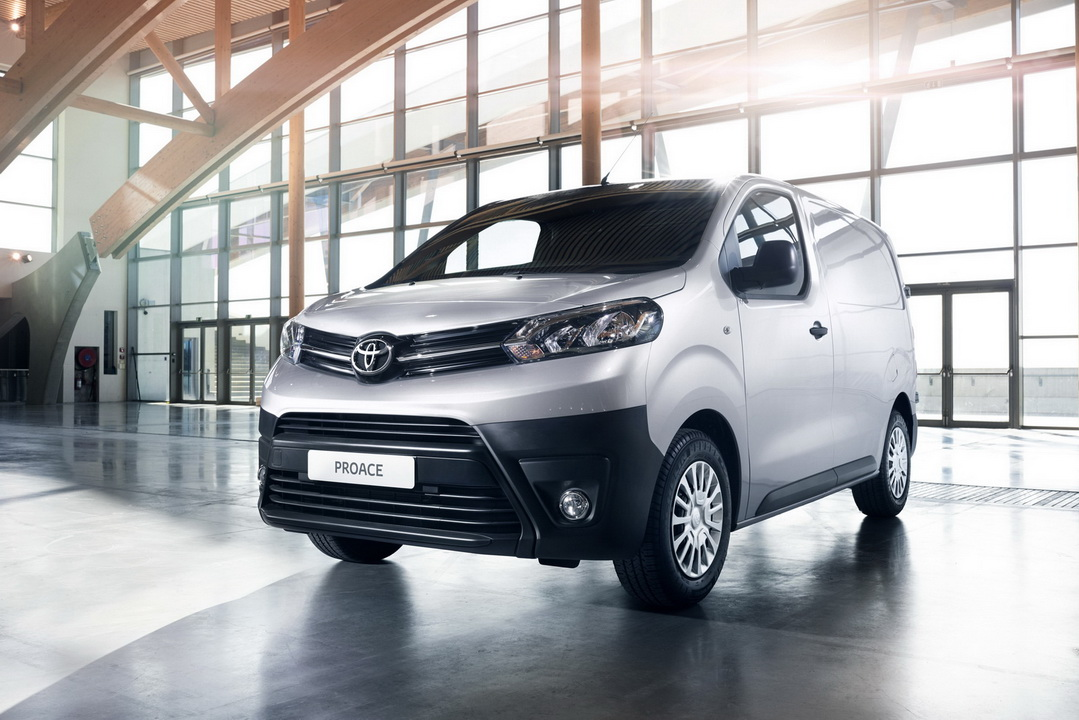 2016 ToyotaProace 05