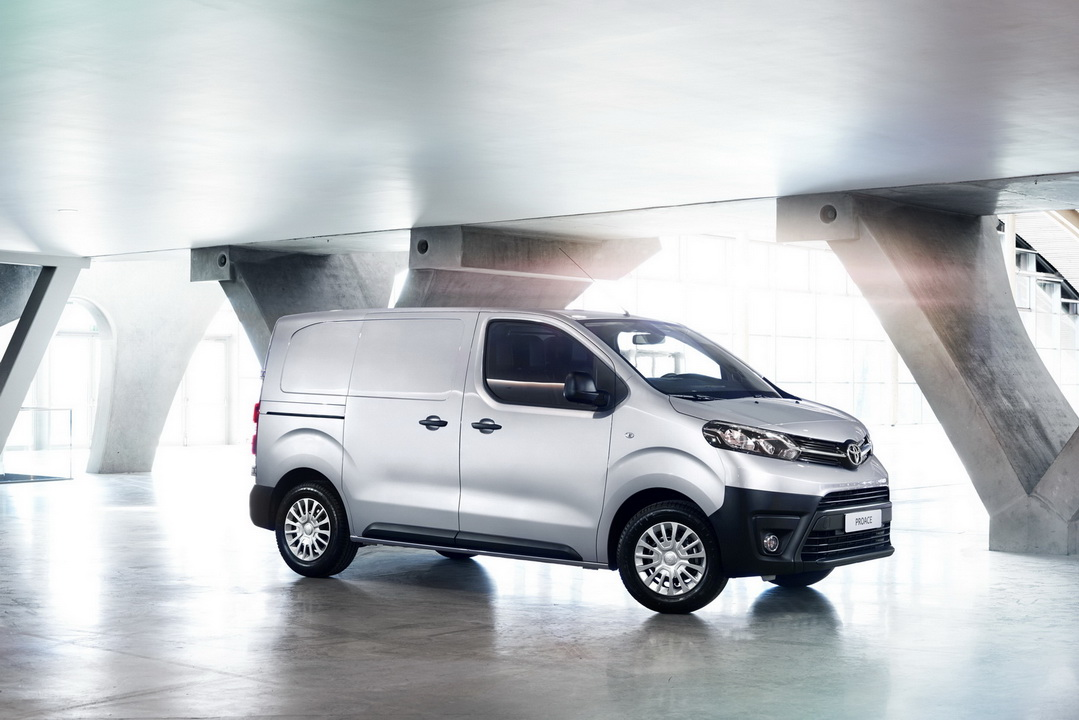 2016 ToyotaProace 07