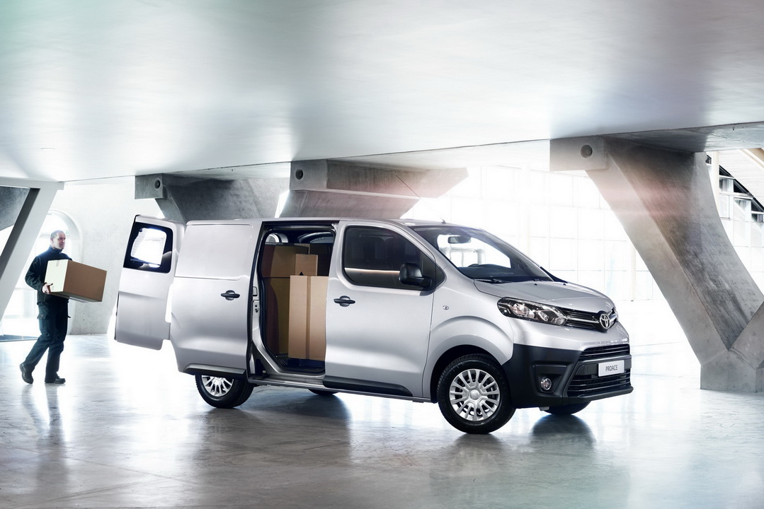2016 ToyotaProace 08