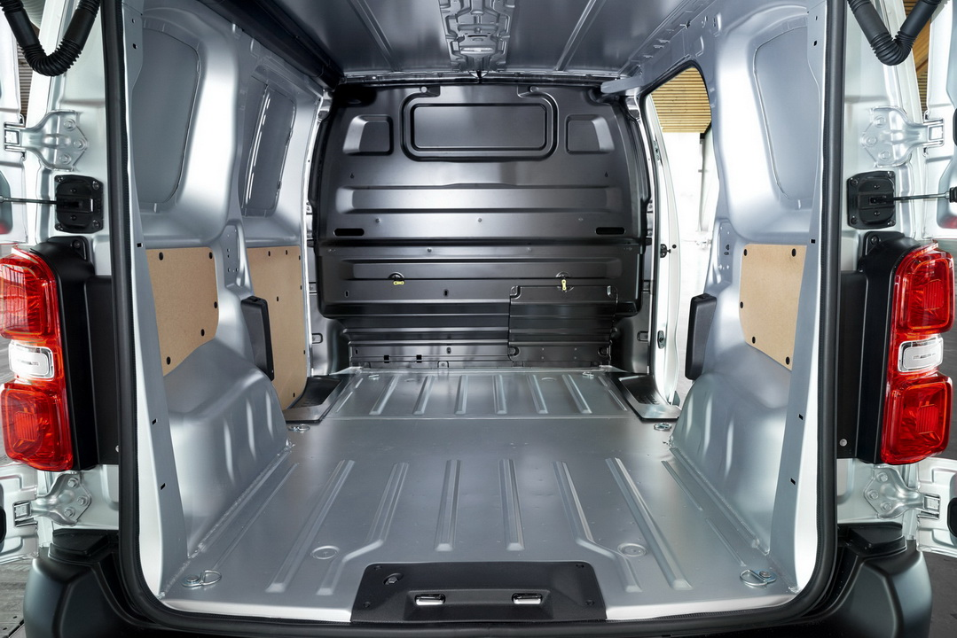 2016 ToyotaProace 34