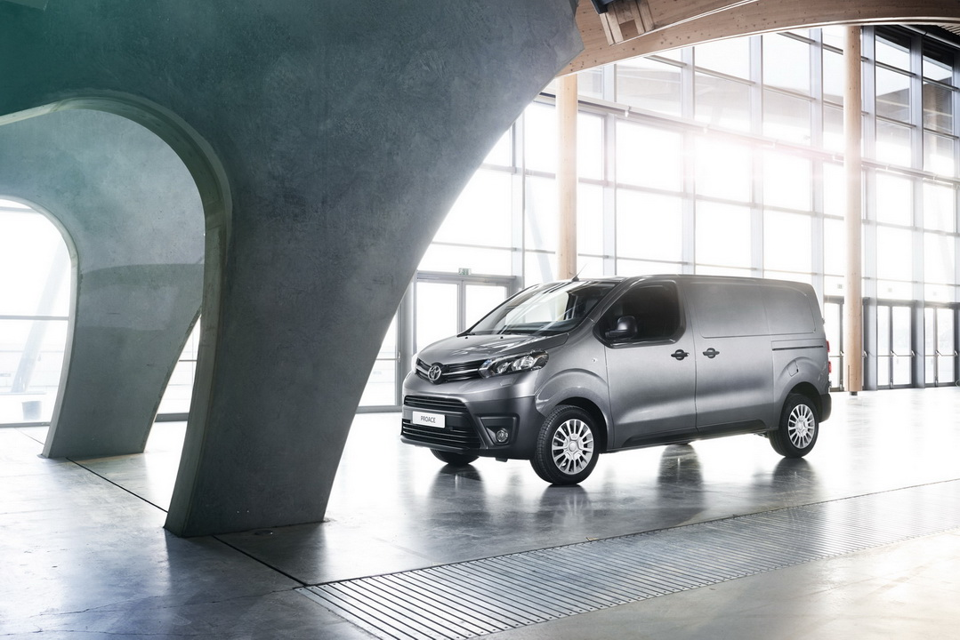 2016 ToyotaProace 40