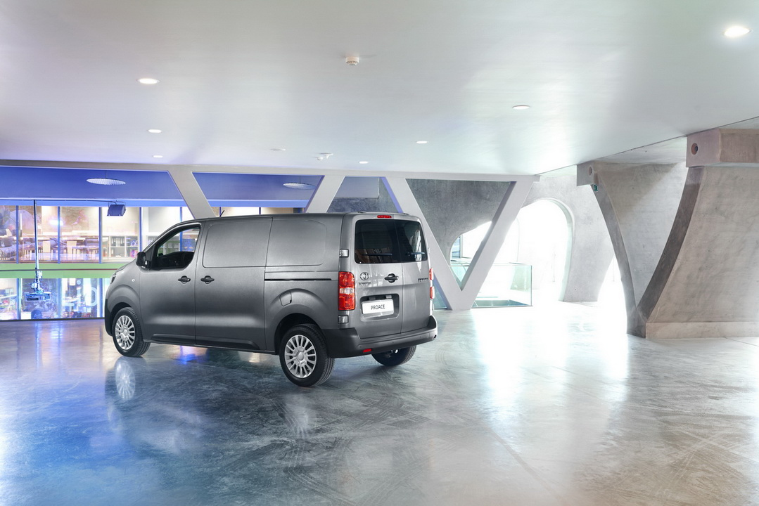 2016 ToyotaProace 43
