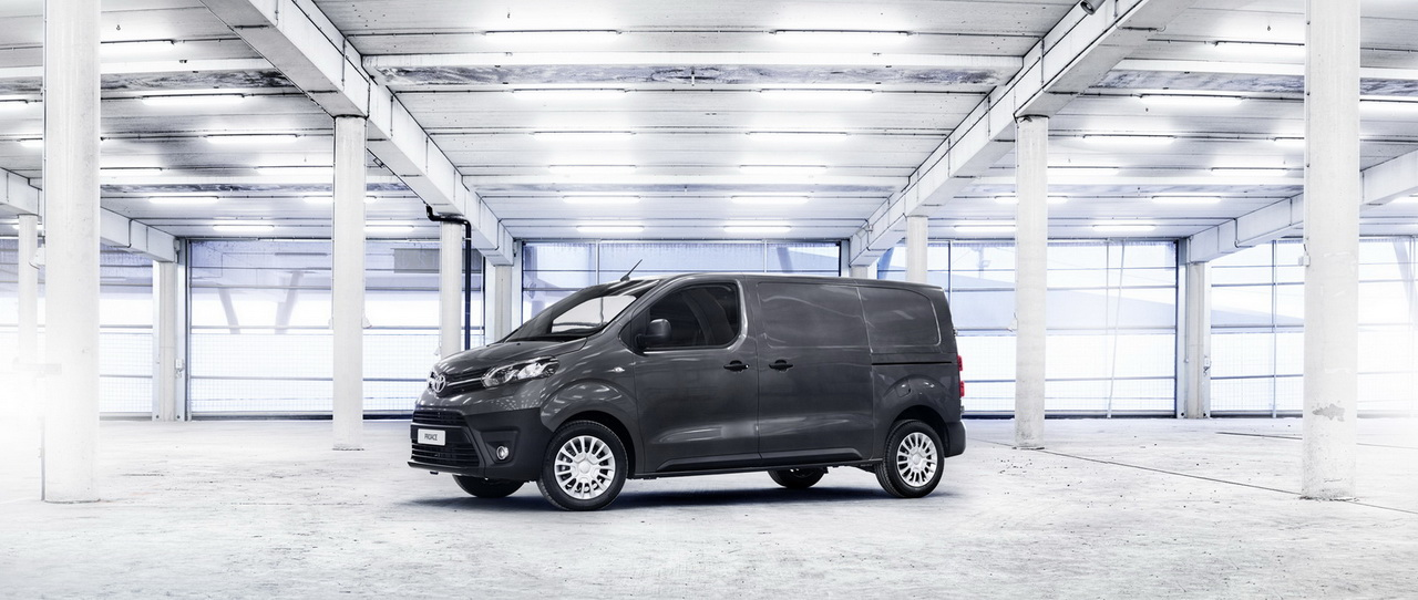 2016 ToyotaProace 45