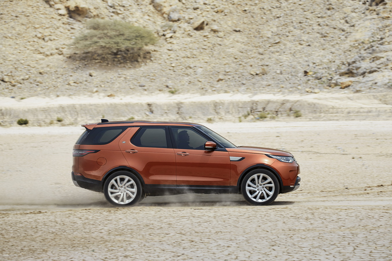 Land Rover Discovery 2017 12