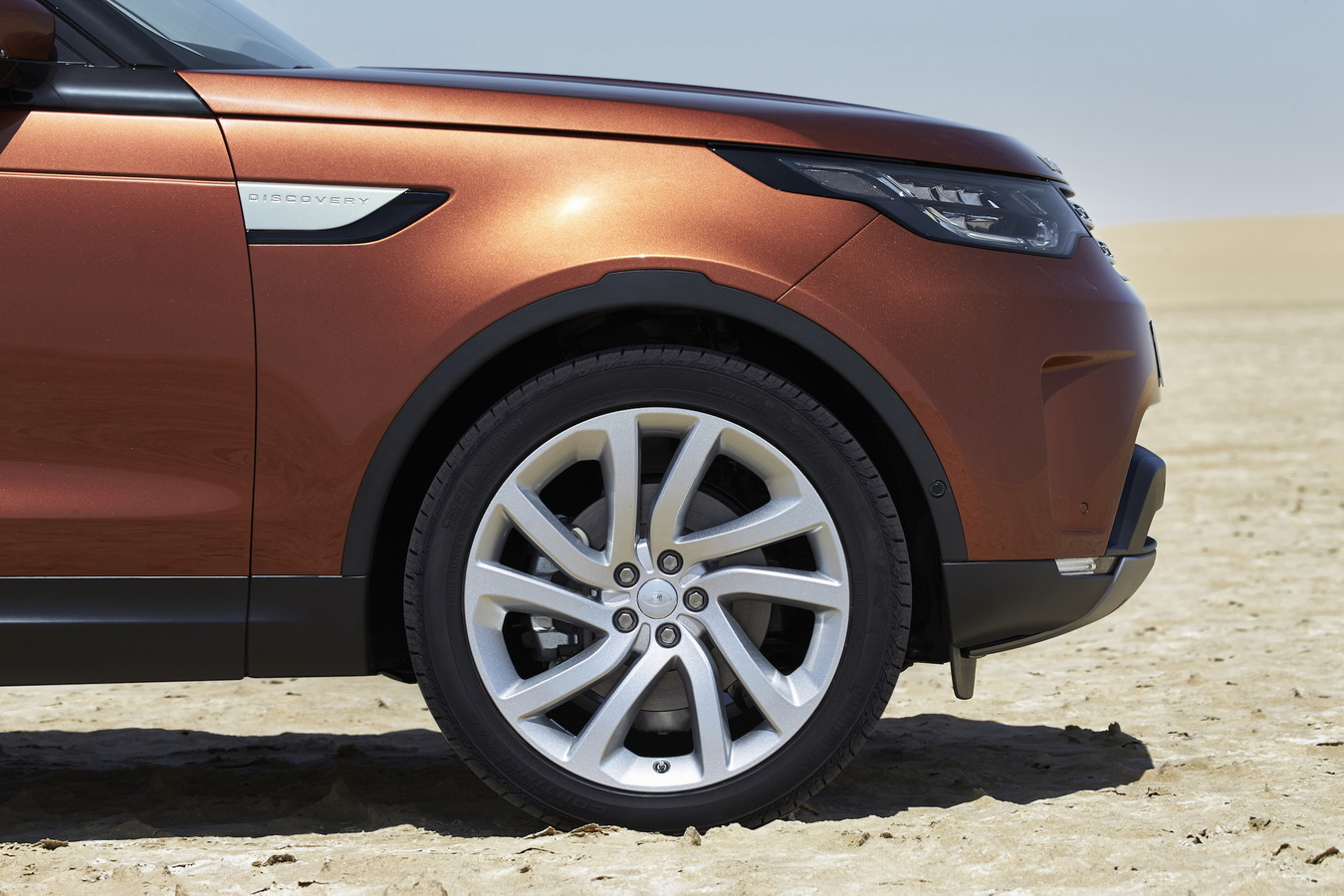 Land Rover Discovery 2017 30