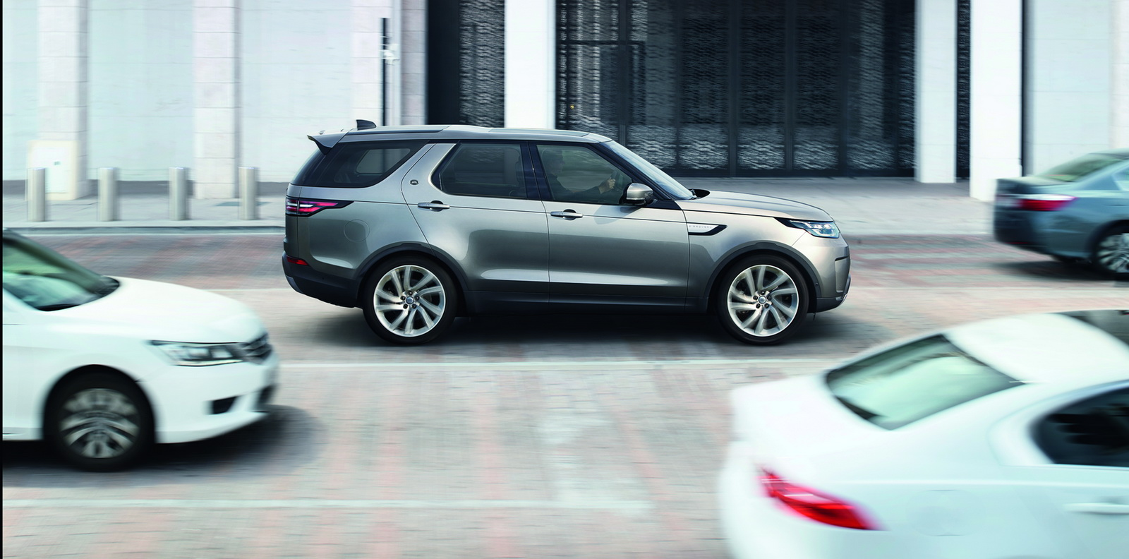 Land Rover Discovery 2017 48