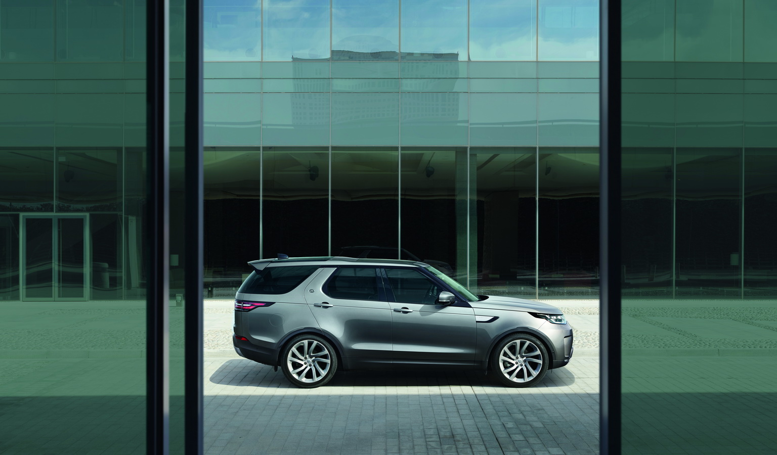 Land Rover Discovery 2017 54
