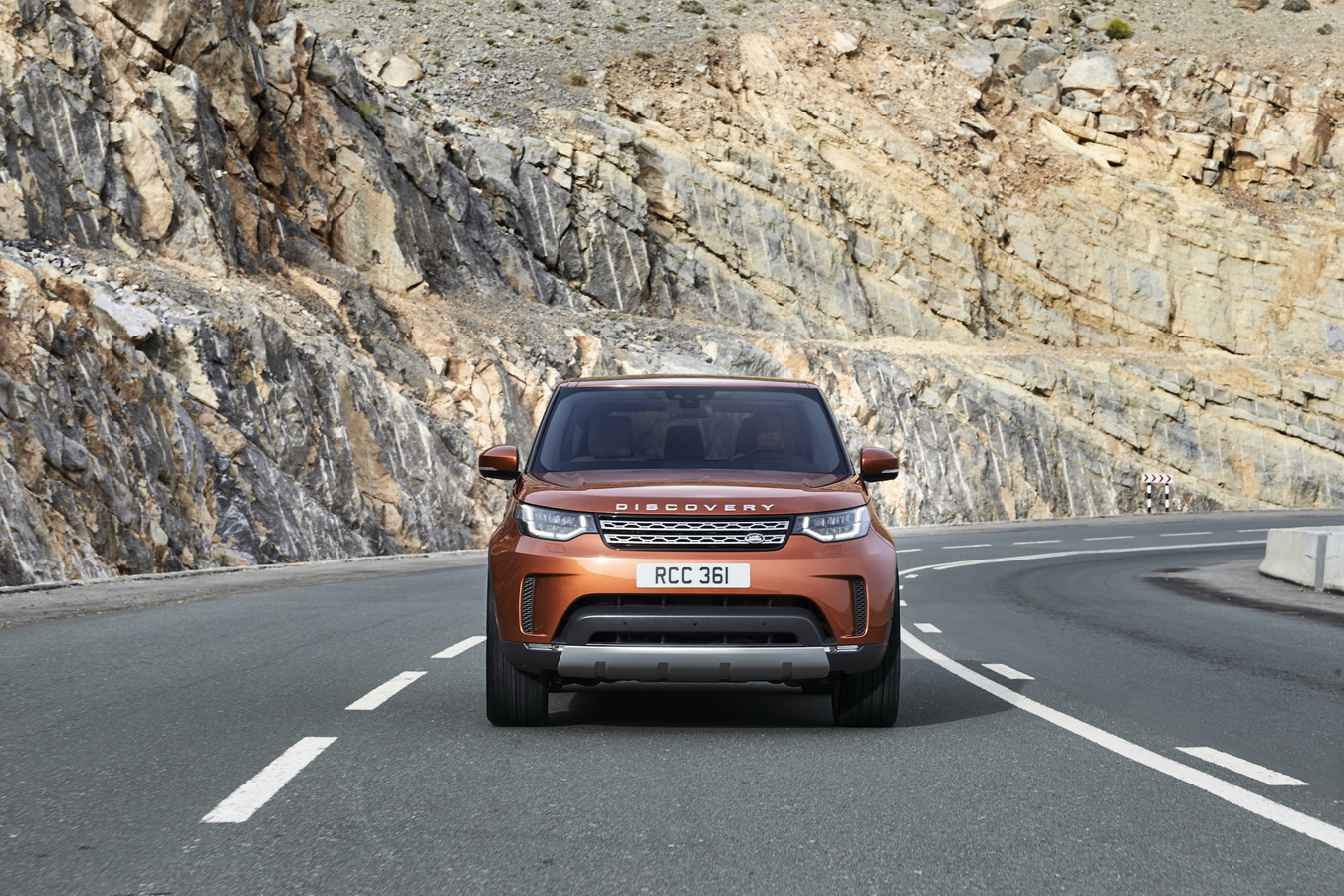 Land Rover Discovery 2017 8