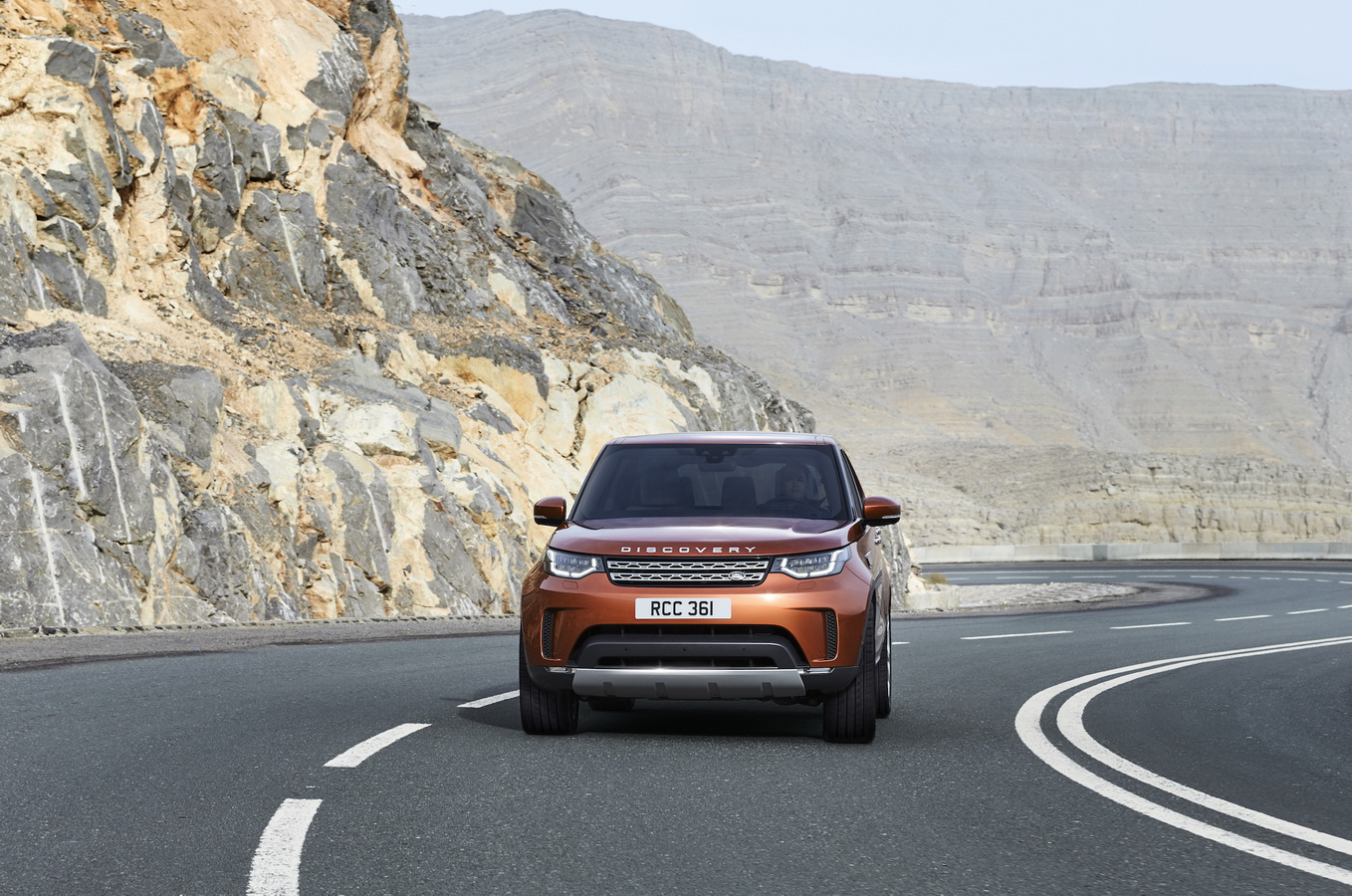 Land Rover Discovery 2017 9
