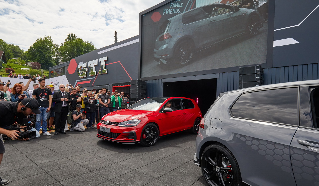 New VW Golf GTI TCR Concept 2018 0