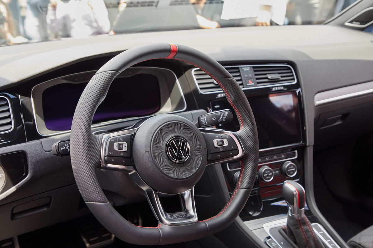 New VW Golf GTI TCR Concept 2018 3