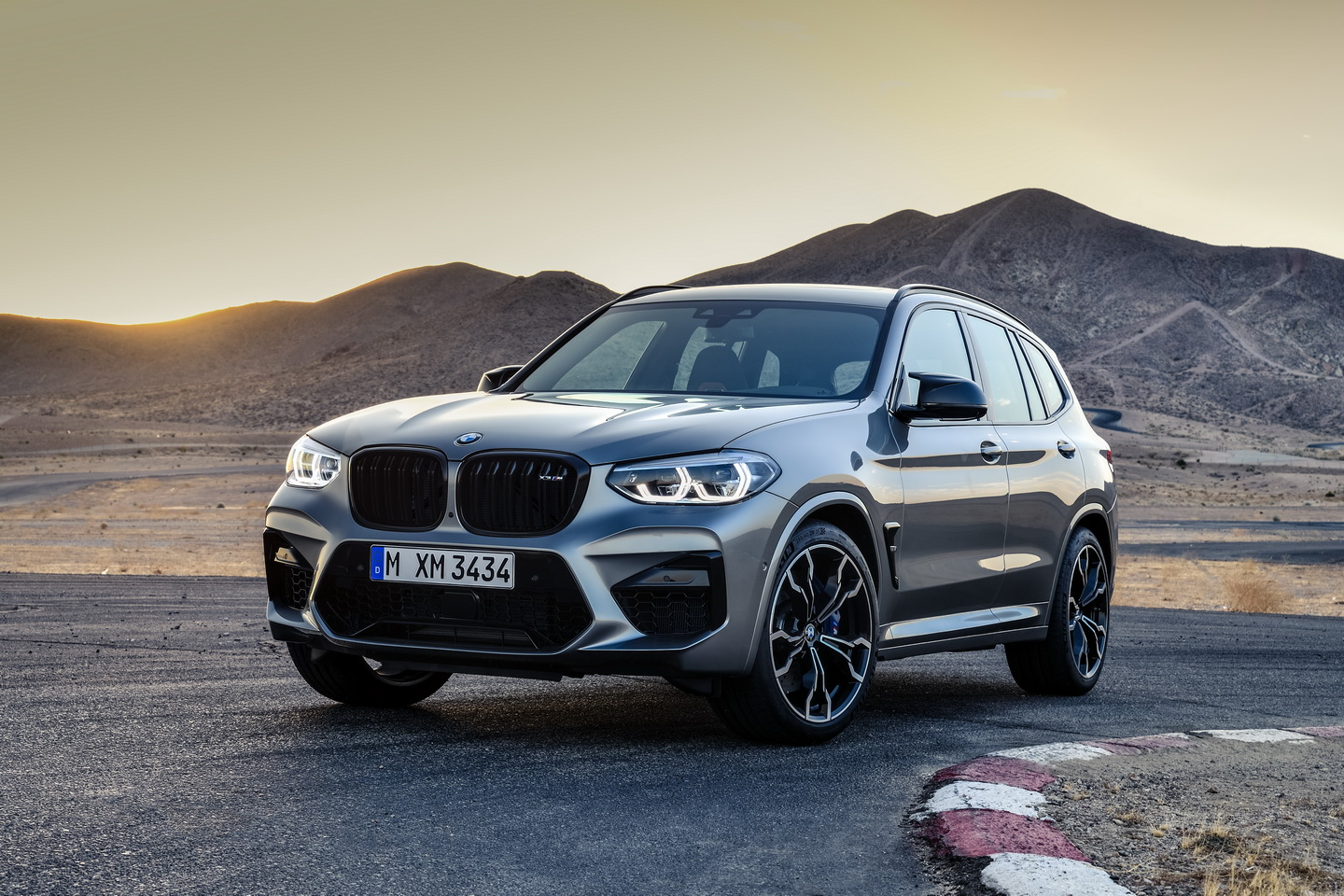New 2019 BMW X3 X4 M Competition 8