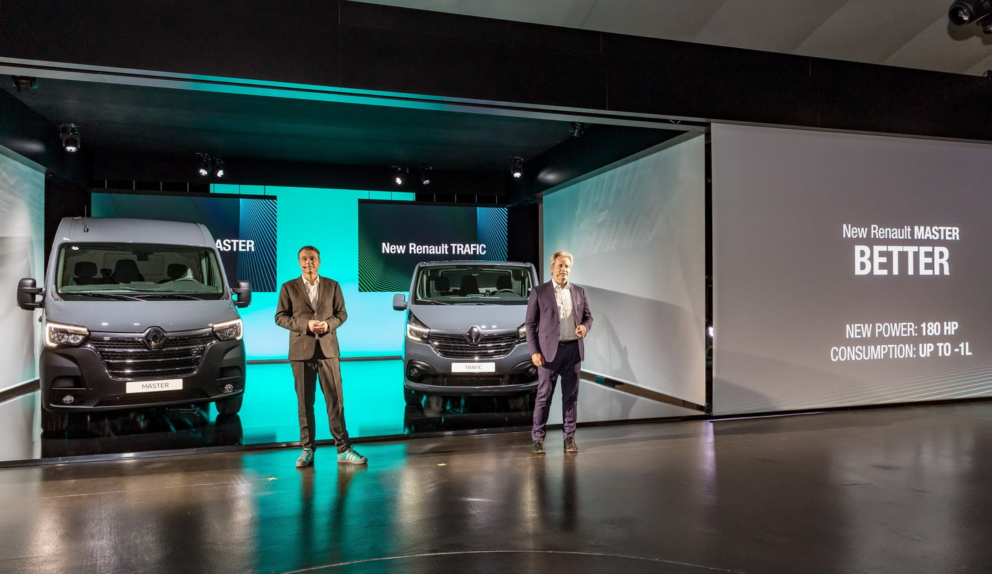 New 2019 Renault Trafic facelift 0