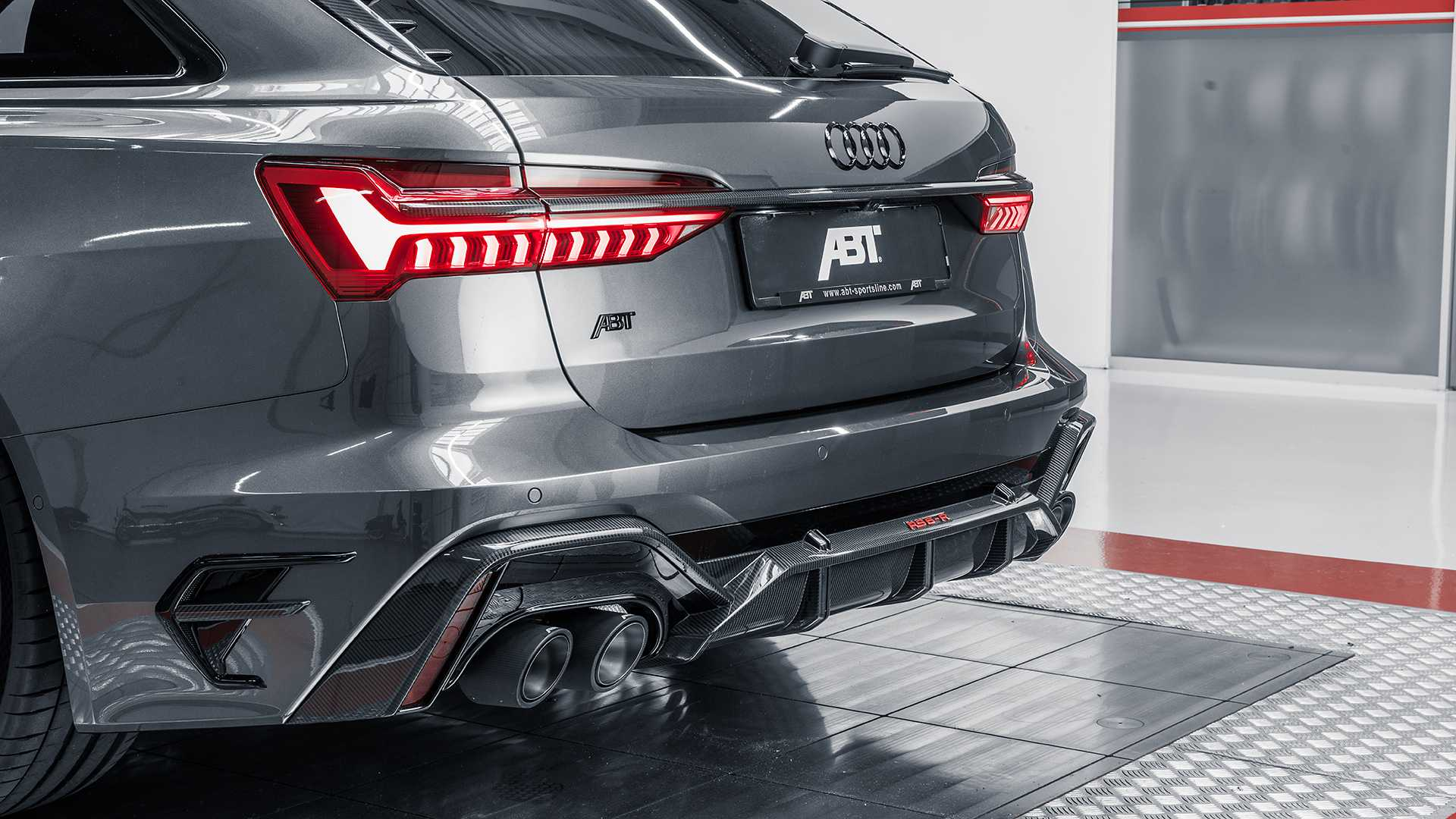 ABT RS6 R 2020 Limited 19