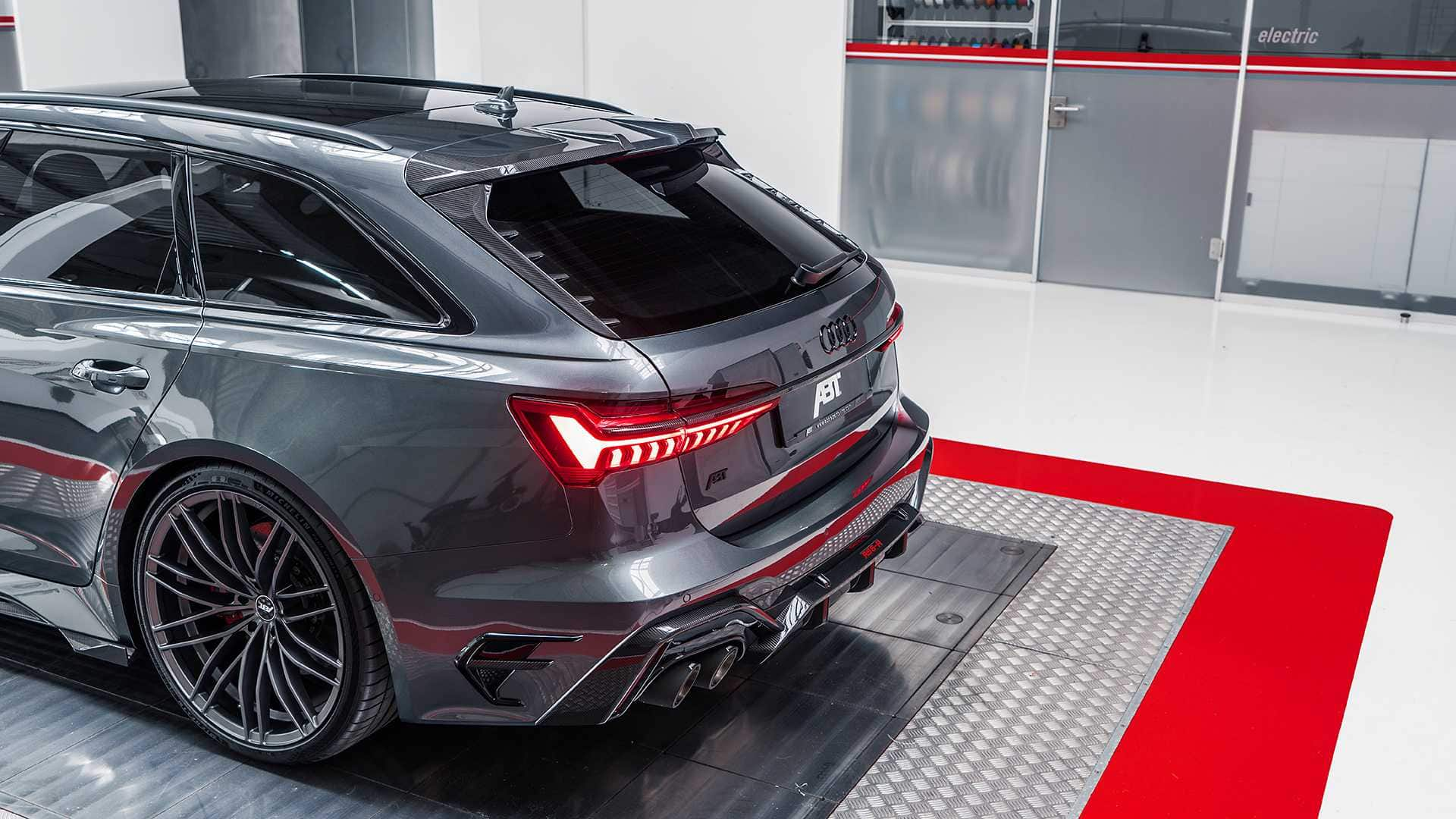 ABT RS6 R 2020 Limited 24