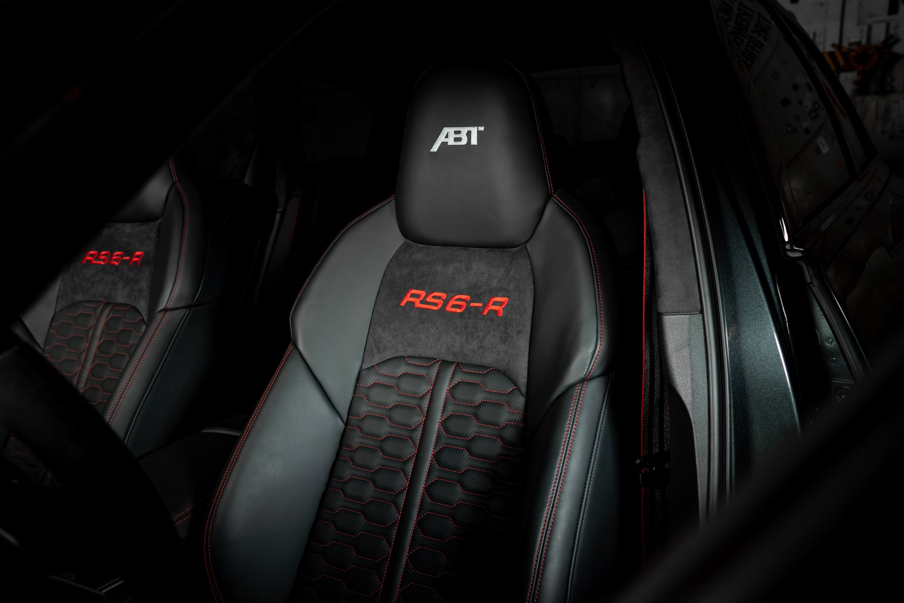 ABT RS6 R 2020 Limited 38