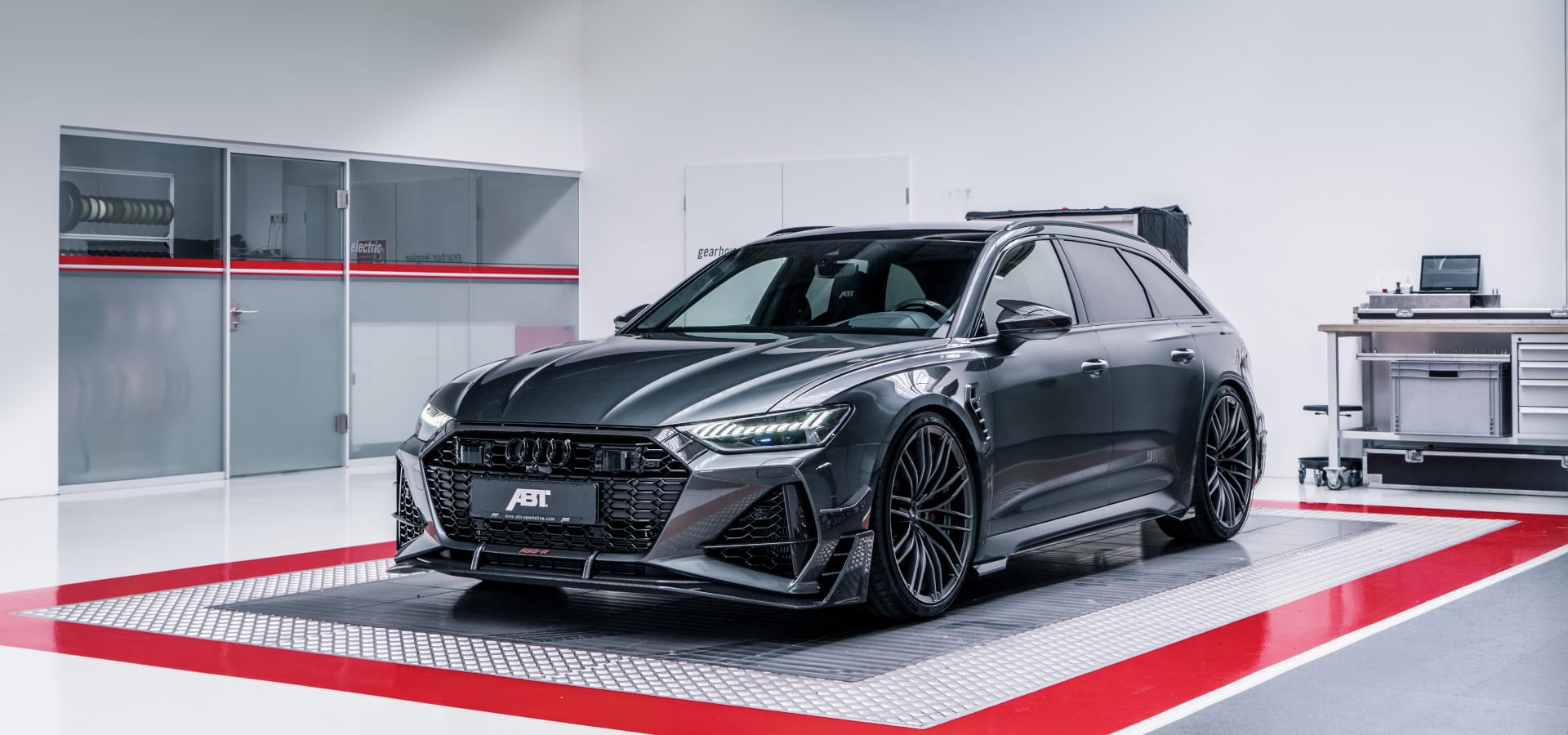 ABT RS6 R 2020 Limited 43