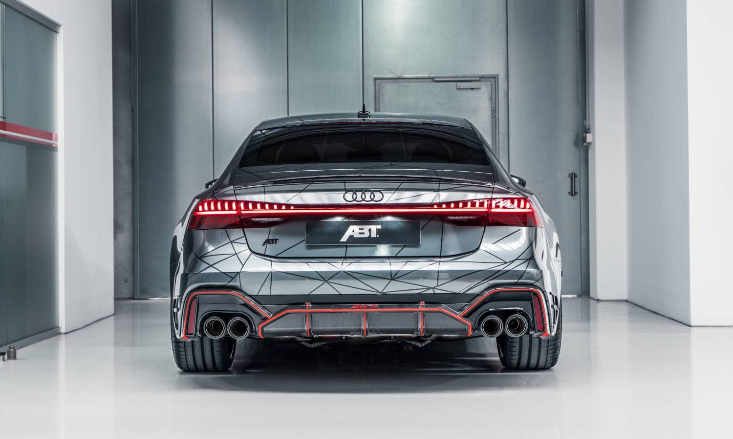 ABT RS7 R 2020 Limited 11