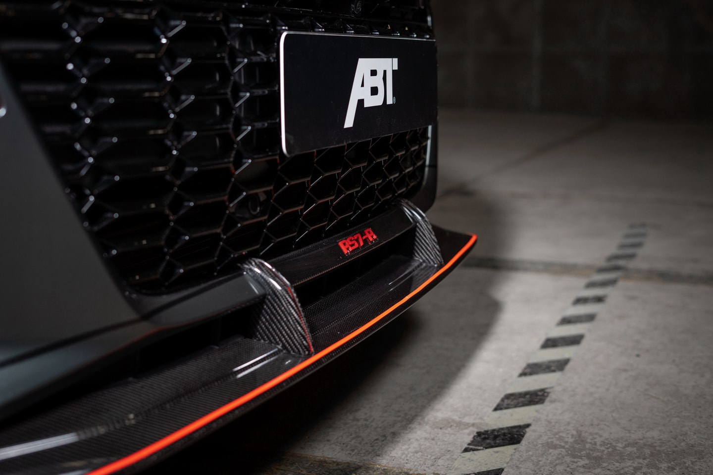 ABT RS7 R 2020 Limited 14