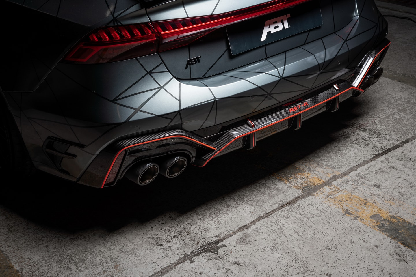 ABT RS7 R 2020 Limited 21